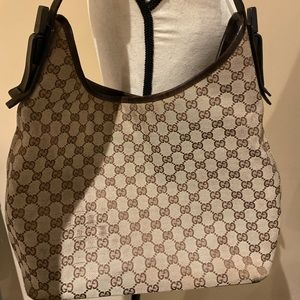 Gucci Hobo Bag in Beige/Black GG Canvas